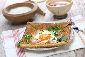 Crepes con huevo y jamón
